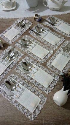 table napkin layout – Home Decorating Diy Home Crafts, Sewing Crafts, Diy Home Decor, Sewing Projects, Diy Projects, Crochet Decoration, Decoration Table, Diy Para A Casa, Table Runner Pattern