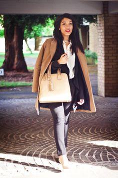 le-royaume-du-prep:blackfashion:model:michaela stewart |19 |london handbag: bykarin.com submitted and photographed by: marianne paul photography (website: mbfotoart.co.uk) (instagram: @_mariannepaul)  Elle est sublime.