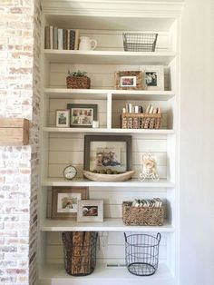 60 Brilliant Built In Shelves Design Ideas for Living Room - Family room - Shelves Decoration Ikea, Decoration Bedroom, Diy Home Decor, Decorations, Wall Decor, Home Living Room, Living Room Decor, Living Area, White Wash Brick Fireplace
