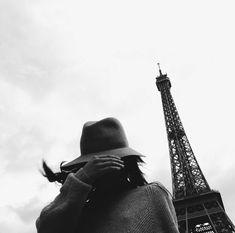 Parisian girl | portrait without portrait