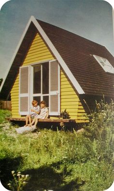 "These are pictures from the magazine ""Fritidshus"" (vacation homes) from 1968. I love this cottage! Who needs more room when you can get something small and cute like this?  WHAT a cute house."
