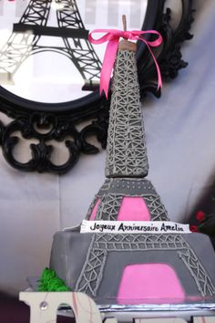Eiffel Tower cake - the trusses are piped on.  I actually might be able to do this.