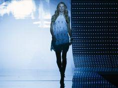 Gisele Bundchen dice addio allo Stipendio da Top Model con la sua ultima Sfilata Gisele Bunchen stipendio