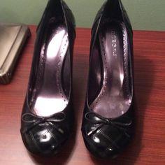 Excellent condition The most comfortable yet elegant shoes BCBGirls Shoes Heels