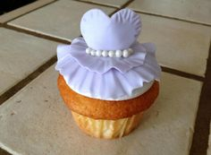 Prom CupCakes by: Stick a Cake In It