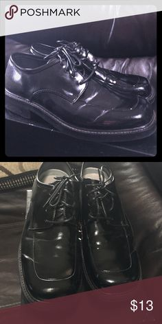 Boys Dress Shoes~ HANDSOME! 👔👞 These black dress shoes were only worn one time to a wedding. PERFECT for any special occasion, church or upcoming holidays! Size 6! 🌟 Michael James Shoes Dress Shoes