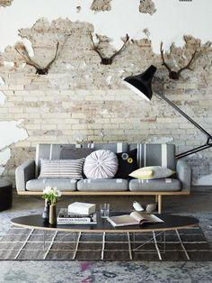 Wohnzimmer Mauer Mit Abgeblättertem Putz Ziegel Pictures