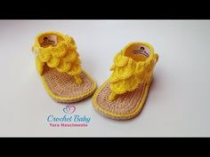 35 Ideas For Crochet Baby Boots Watches Crochet Baby Boots, Crochet Baby Sandals, Booties Crochet, Baby Girl Crochet, Crochet Slippers, Baby Booties, Crochet Clothes, Baby Shoes, Crochet Baby Blanket Beginner