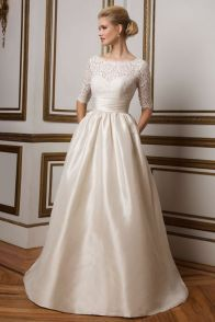 Justin Alexander Wedding Dresses - Search our photo gallery for pictures of wedding dresses by Justin Alexander. Find the perfect dress with recent Justin Alexander photos. 2016 Wedding Dresses, Stunning Wedding Dresses, Wedding Dresses Plus Size, Wedding Dress Styles, Bridal Dresses, Dresses 2016, Gown Wedding, Women's Dresses, Lace Wedding