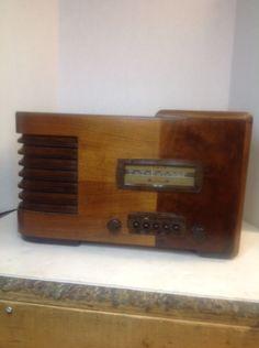Vintage 1939 Firestone Radio