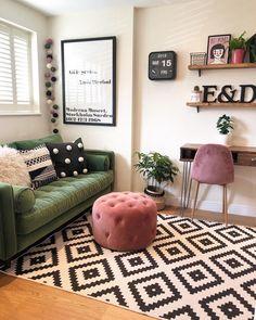 66 Perfect Apartment Living Room Decor Ideas On A Budget Dekoration Interior Design Living Room, Living Room Decor, Bedroom Decor, Retro Living Rooms, Interior Livingroom, Kitchen Interior, Retro Home Decor, Cheap Home Decor, Pouf Design