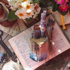 "@moe_more92: ""И снова пополнение в моей ""лавандовой истории"".💜 Различные лавандовые ""двери"", дома, маяки,…"" Cover"