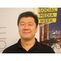 Robin Stienberg Editor in Chief specks with Dorjee Sun, CEO of Carbon Conservation at Social Me...