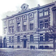 Warsaw, Louvre, Building, Travel, Culture, Historia, Art, Viajes, Buildings