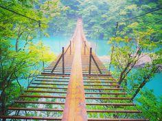 ターコイズブルーが美しい♡「寸又峡」の夢の吊り橋で恋愛成就 - Locari(ロカリ)