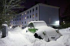 _citroen in snow 2cv6, Snow Scenes, Retro Cars, Car Humor, Subaru, Peugeot, Cool Cars, Automobile, Finland
