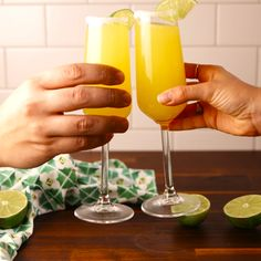 Mule Mimosas Switch up your brunch routine.Switch up your brunch routine. Bar Drinks, Cocktail Drinks, Beverages, Drinks Alcohol Recipes, Alcoholic Drinks, Summer Drinks, Delish, Food And Drink, Cooking Recipes
