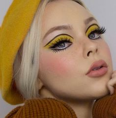 The Cruelty-Free Makeup Brand You've Completely Underestimated Cute Eye Makeup, Eye Makeup Art, Skin Makeup, 60s Makeup And Hair, Doll Eye Makeup, 1970s Makeup, Retro Makeup, 70s Disco Makeup, Sixties Makeup