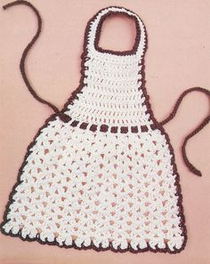 Dish Soap Apron Tutorial You are in the right place about topflappen stricken perlmuster Here we off Crochet Towel, Crochet Potholders, Knit Crochet, Crotchet Patterns, Knitting Patterns, Crochet Crafts, Crochet Projects, Apron Tutorial, Diy Tutorial