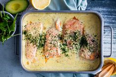 Jag tror inte man kan ha för många olika recept på fisk i ug Fish Recipes, Seafood Recipes, Cooking Recipes, Love Food, A Food, Food And Drink, Healthy Recepies, Zeina, Scandinavian Food