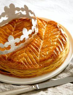 Galette des Rois with frangipane - Sweet imprint - - Best Dessert Recipes, No Bake Desserts, Sweet Recipes, French Recipes, Best Christmas Recipes, Muffins, Cheese Bites, Let Them Eat Cake, Amazing Cakes
