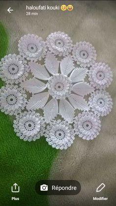Crochet Rose Pattern Lots Of Great Ideas Vintage Crochet Patterns, Crochet Flower Patterns, Crochet Flowers, Knitting Patterns, Beau Crochet, Crochet Home, Irish Crochet, Crochet Dollies, Lace Doilies