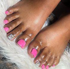 Gel Toe Nails, Acrylic Toe Nails, Short Square Acrylic Nails, Drip Nails, Summer Acrylic Nails, Pedicure Nails, Toenails, Nail Nail, Pretty Toe Nails