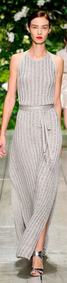 Laura Biagiotti Spring Summer 2016 Ready-To-Wear Pretty Outfits, Stylish Outfits, Cool Outfits, Fashion Outfits, Love Fashion, High Fashion, Fashion Week 2016, Italian Fashion Designers, Laura Biagiotti