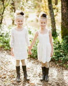 dresses and leggings from H give these flower girls and adorable rustic look