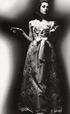 Dior, photo by William Klein, 1962
