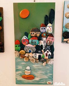 Consulta esta foto de Instagram de @figencecik • 46 Me gusta Stone Crafts, Rock Crafts, Arts And Crafts, Pebble Pictures, Stone Pictures, Wood Painting Art, Stone Painting, Barn Crafts, Painted Rocks