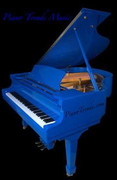 o my goodness i want a royal blue piano like this :)