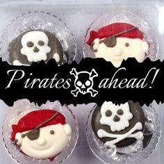 Süße kleine Zuckerdekos mit Piraten-Motiv. Perfekt für eine Kinder-Party! #Zuckerdeko