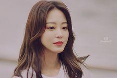 Han Ye Seul, Perm, Actors & Actresses, Celebs, Big, Beauty, Celebrities, Celebrity, Beauty Illustration