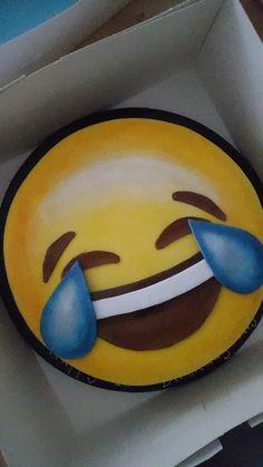 Laugh till you cry emoji Cake!