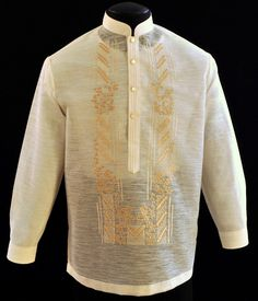 Jusilyn Barong Tagalog A sharp style for an impeccable formal look. Barong Tagalog Wedding, Filipiniana Dress, Philippines Fashion, First Communion Dresses, Line Shopping, Formal Looks, Tuxedo, Fashion Outfits, Suits