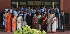 Dr. Pravin Kumar Bhoyar and five students from MBA batch 2012-14 will develop & implement online & offline marketing strategies for Periwinkle focused on Pune. Mba Degree, India School, Marketing Budget, Faculty And Staff, Marketing Strategies, Business School, Pune, Periwinkle, Schools
