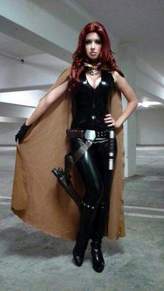 Katy Mor as Mara Jade jedi cosplay.