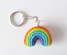 Regenbogen Schlüsselanhänger Taschenanhänger und Anti Stress | Etsy Anti Stress Ball, Talisman, Lucky Charm, Pet Accessories, Rainbow Colors, Crochet Earrings, Friendship, Pendant, Etsy