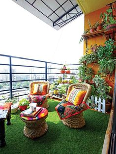 Make your outdoor space the best version it can be. Interior stylist Shraddha Bhatnagar shows you just how! Small Balcony Design, Small Balcony Garden, Small Balcony Decor, India Home Decor, Ethnic Home Decor, Indian Bedroom Decor, Home Decor Bedroom, Apartment Balcony Decorating, Interior Balcony