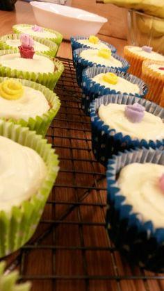 Little rose cupcakes