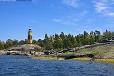 Sektoriloisto Nurmes - meri saari kallio leväkasvusto  loisto  sektoriloisto opastus meriturvallisuus merenkulku ranta