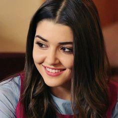 Turkish Beauty, Indian Beauty, Beautiful Girl Image, Most Beautiful Women, Beautiful Celebrities, Beautiful Actresses, Brunette Makeup, Hande Ercel, Stylish Girl Pic