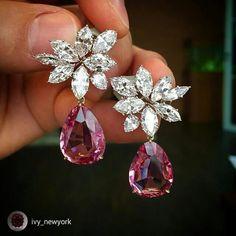 Boucles d'oreilles en or, platine diamant et spinelle