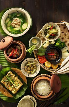 Vietnamese Cuisine, Vietnamese Recipes, Asian Recipes, Ethnic Recipes, Raw Food Recipes, Healthy Recipes, Food Menu Design, Viet Food, Food Photography Tips