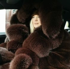 Fox Fur Coat, Winter Hats, Winter Fashion, Furs, Fur Hats, Fur Jackets, Big, Selfies, Hoods