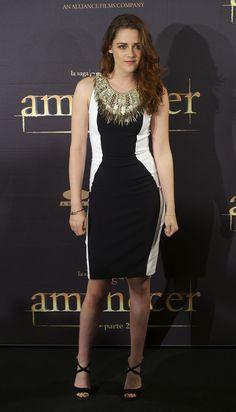 Look of the Day: Kristen Stewart Covers Up in Julien Macdonald