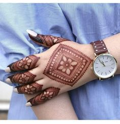 51 Fascinating Karwa Chauth Mehndi Designs For Newlywed Brides Dulhan Mehndi Designs, Mehandi Designs, Mehndi Designs For Girls, Modern Mehndi Designs, Mehndi Design Photos, Wedding Mehndi Designs, Beautiful Mehndi Design, Latest Mehndi Designs, Tattoo Designs