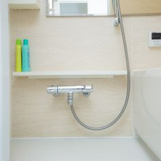 写真 廣田達也お風呂掃除の「あるあるお悩み」をすこしでもラクにするポイントを紹介しています。教えてくれるのは、家事代行や家政婦サービスの勤務経験を持ち、現在は主に個人宅での整理収納アドバイスや家事・お