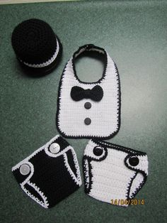 PICTURE ONLY Crochet baby tuxedo outfit. black bowler hat, bib, and two diaper covers. Crochet Baby Costumes, Crochet Baby Bibs, Crochet Baby Clothes, Crochet For Boys, Newborn Crochet, Baby Knitting, Crochet Hats, Crochet Outfits, Baby Patterns